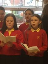 School Choir sing in Greenhaw Lodge Care Home